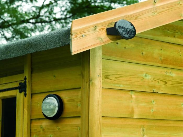 садовые фонарики на солнечных батареях