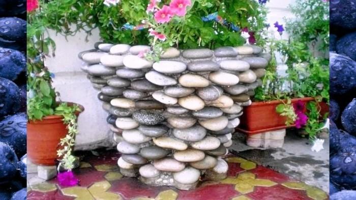 Уникальный декор сада своими руками из подручных