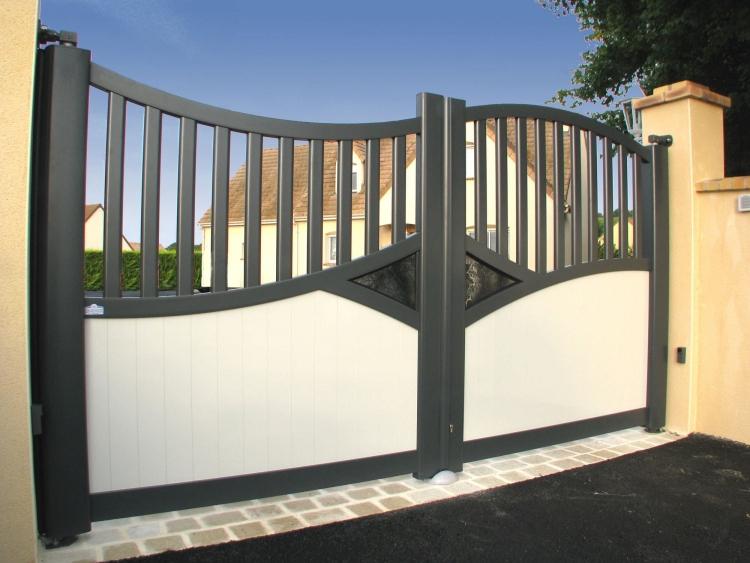 gate called beautiful playing - 900×675