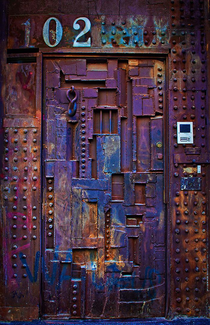 Креативные входные двери фото